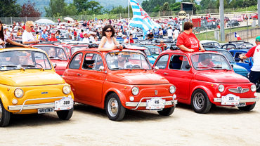 TORNA A GARLENDA IL MEETING INTERNAZIONALE DI FIAT 500 CLUB ITALIA