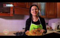 In cucina con Rossella, pappardelle con carciofi e gamberi.